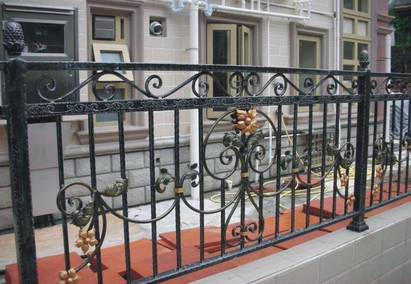 铝合金护栏与不锈钢护栏,哪个用起来更有优势呢?
