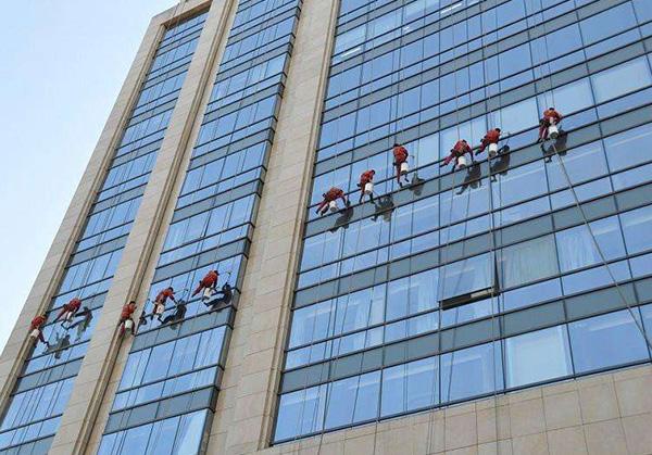 办公大楼外墙清洗 南充蓝天保洁公司