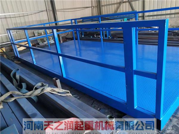 郑州液压升级货梯装车出发开往新乡客户