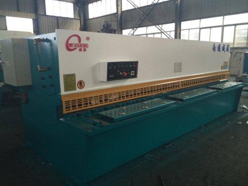 德仁鑫宇公司升降柱制造机器展示