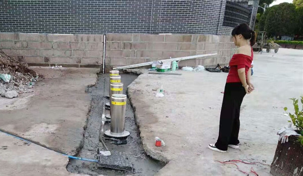 自动升降柱安装