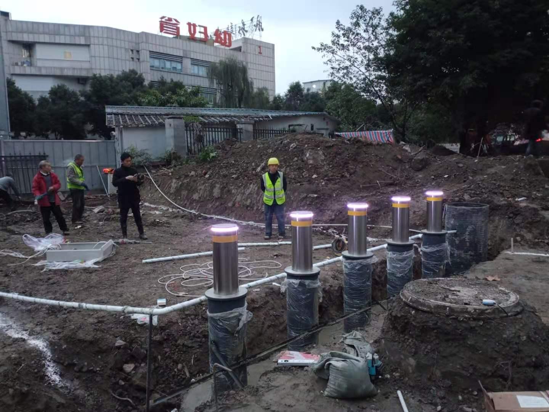 四川省妇幼保健院升降柱安装