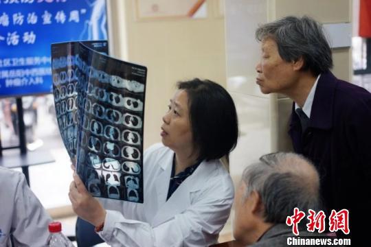"""""""肿瘤全程管理""""是一种以肿瘤患者为中心,多学科团队参与的诊疗康复方法。 芊烨 摄"""