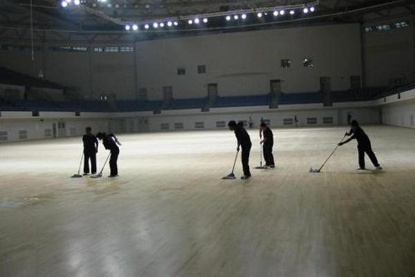 南充马市铺体育馆日常保洁工作