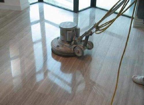 家庭浅色木地板保养