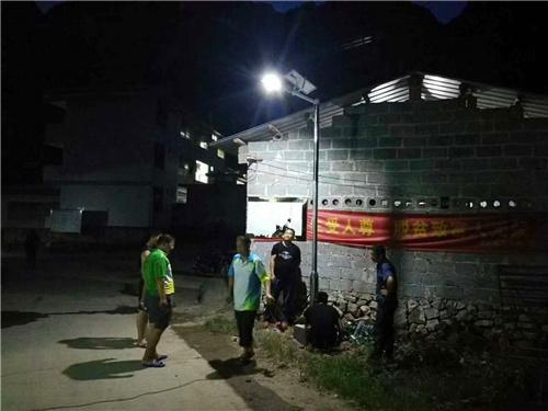 西昌太阳能路灯成功案例:德昌县阿月镇