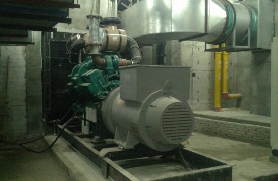 800KW柴油发电机组安装现场