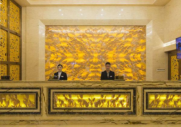 成都不锈钢包柱合作案例-亚日国际大酒店