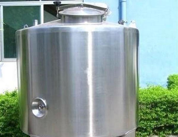 不锈钢水箱在焊接和压板转角处遇到了什么问题?