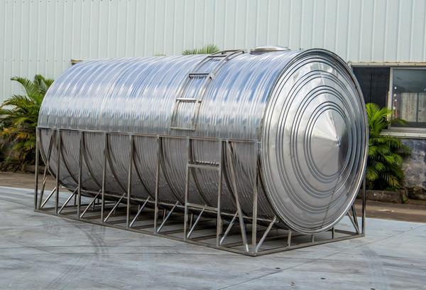 山西不锈钢水箱中的卧式不锈钢水箱有哪些优点呢?