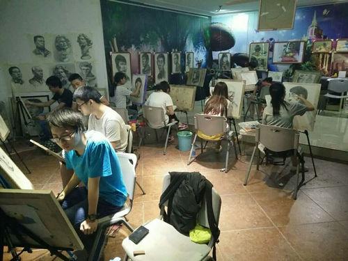 课堂氛围「郑州中招美术培训」