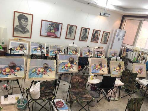 画室一角「郑州高考美术培训」