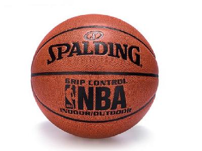 斯伯丁篮球6号球