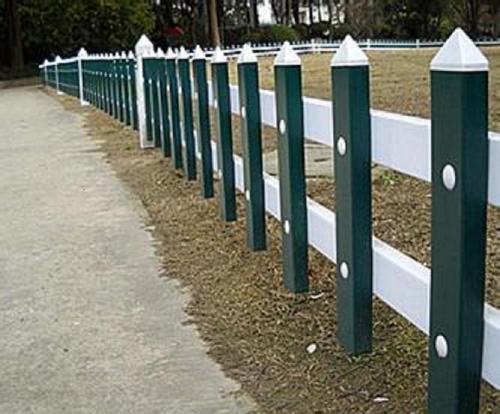 PVC草坪护栏网