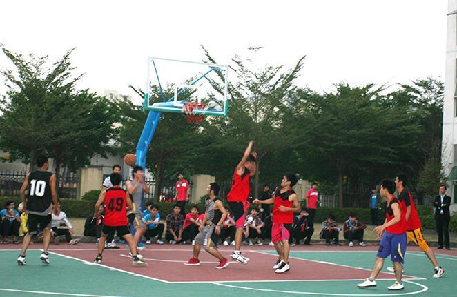 365bet篮球体育用品生产厂家专卖店批发价格,使用时的注意事项有哪些?