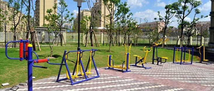 室外太空漫步机使用的注意事项,365bet小区公园户外路径健身器材厂家批发价格
