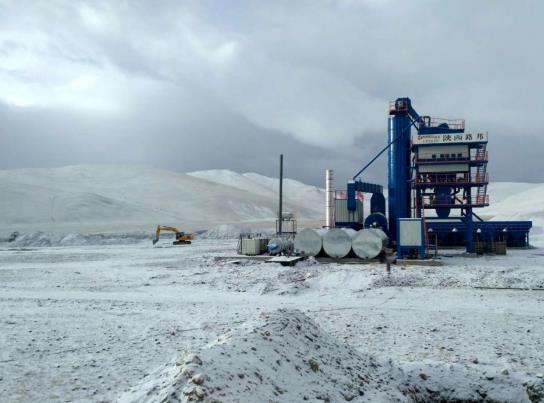 陕西沥青搅拌设备被应用于汉格劳务公司的现场