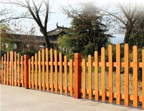 陕西防腐木围栏价格