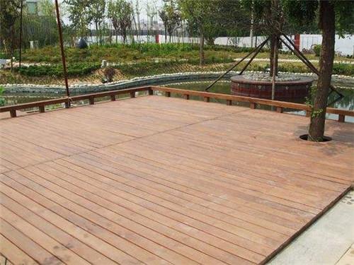 陕西防腐木地板厂家