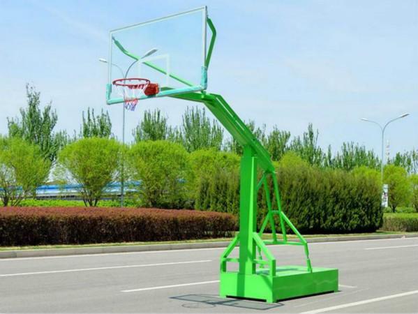 在进行涂装篮球架的时候应该注意什么呢