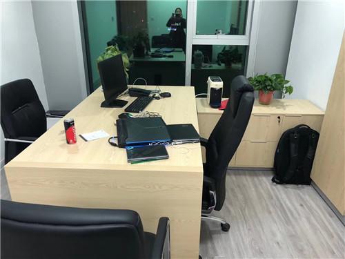 办公家具常用的保洁方法有哪些?依美珂保洁带你详细探讨