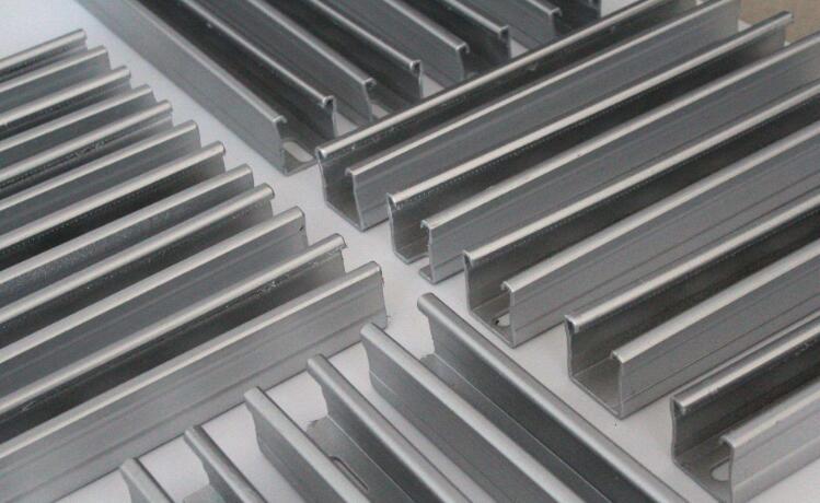 陕西彩钢C型钢展示