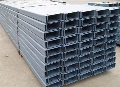 陕西彩钢Z型钢堆放
