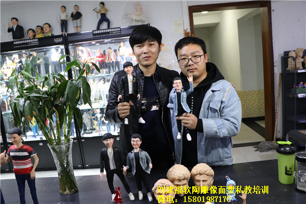 陕西软陶人物雕像学员毕业作品