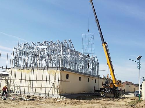浦发钢结构和呼市白塔东村合作装配式轻钢别墅