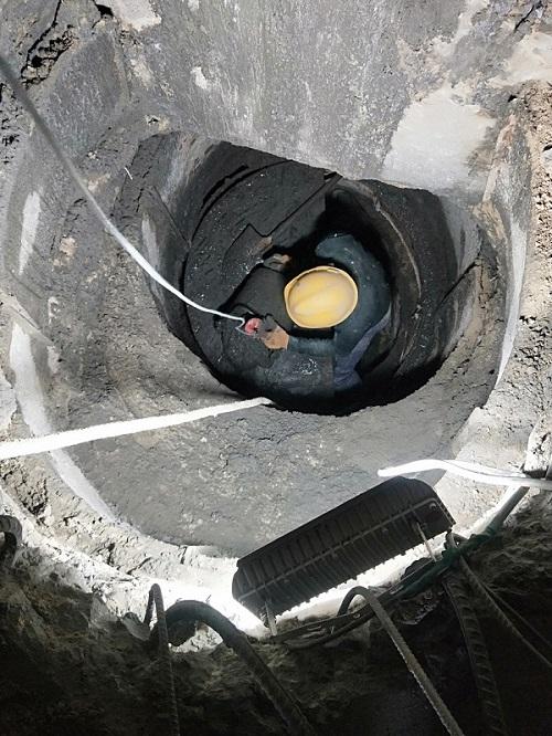 梁下人工挖孔桩施工