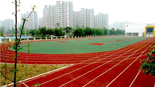 武汉弹性跑道—聚氨酯弹性跑道特点