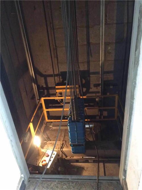 旧楼加装电梯保养
