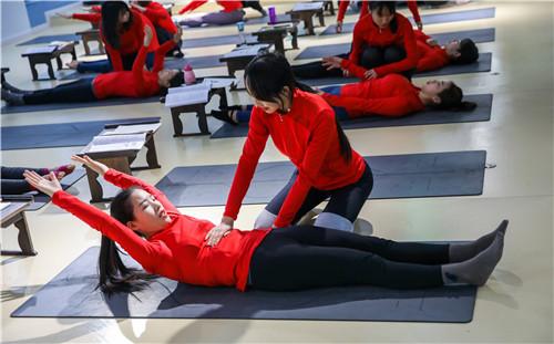 零基础西安瑜伽教练培训夜大班