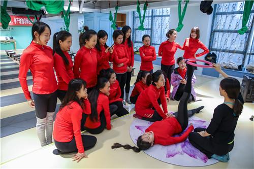 零基础西安瑜伽教练培训周末班