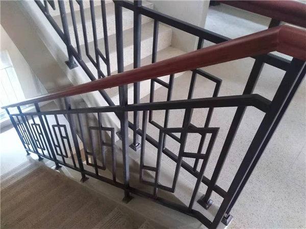 丰森铁艺工程公司为私人客户制作的陕西铁艺楼梯