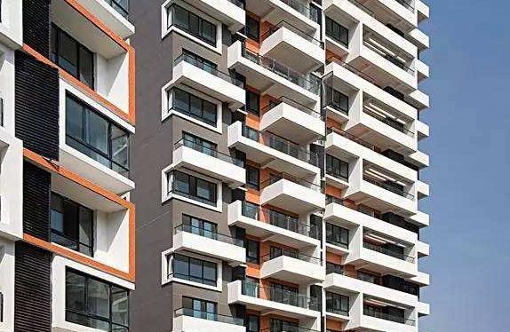 据目前统计,西安城镇居民人均住房面积从8.1平方米增加到34.4