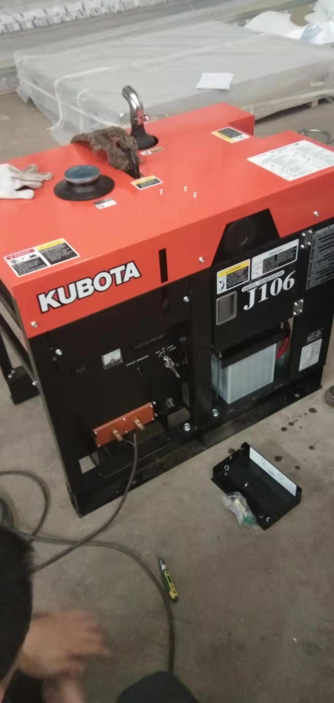 日本原装进口久保田柴油发电机J106用户交货调试现场