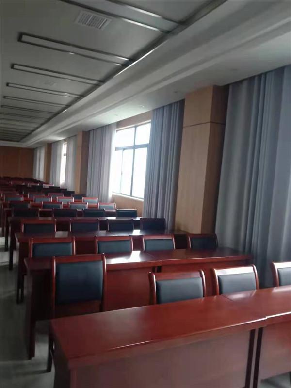 安装电动舞台幕和窗帘