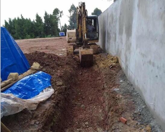 福星工地排水沟施工