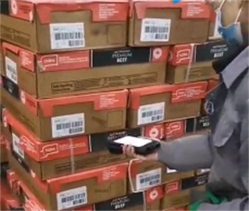 进口冻肉客户使用抄码器扫码