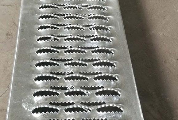 西安镀锌防滑板