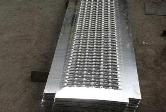 西安铝合金防滑板厂家