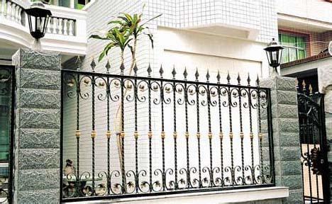 成都铁艺栏杆的外层如何保持使用