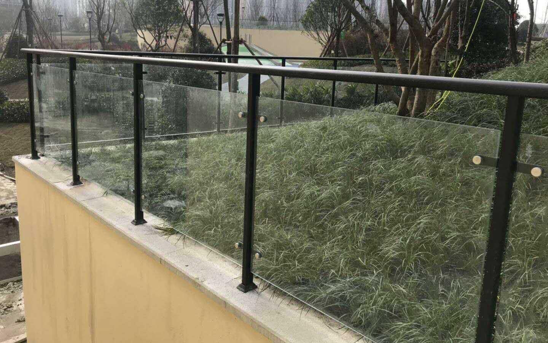 成都玻璃栏杆工程案例