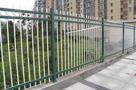 翻新成都铁艺围栏容易吗?