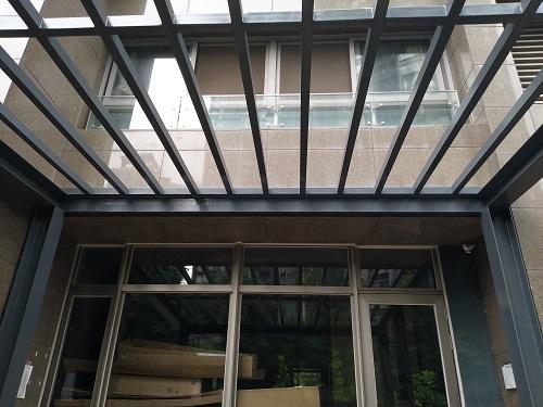 四川玻璃雨棚