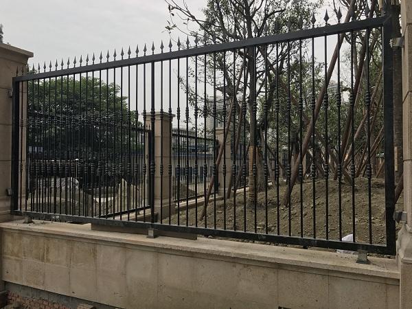 成都铁艺围栏安装