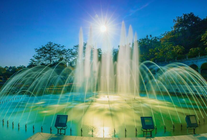 山东湖面喷泉