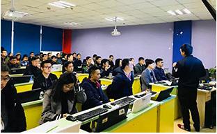 女生初中毕业可以学电脑培训吗
