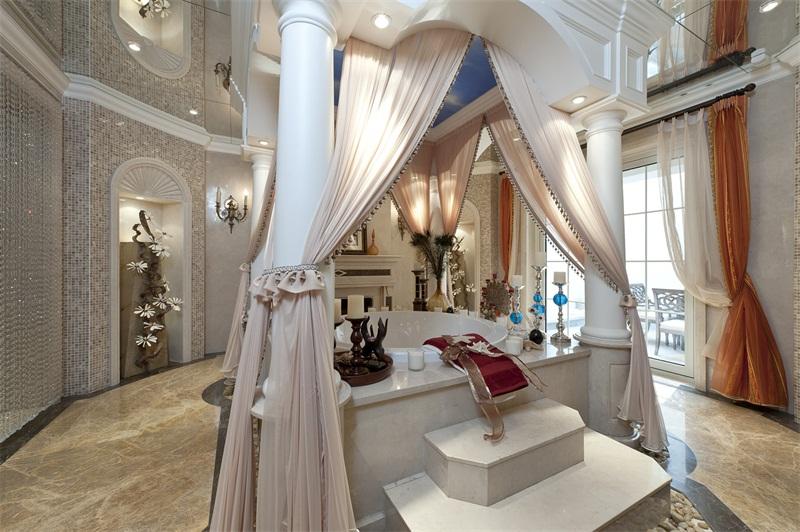 白银卧室装饰